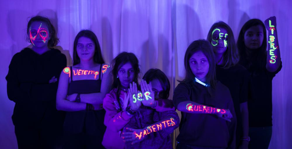 Escuela de fotografía feminista para niñas y niños